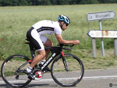Championnats du monde CLM, un coureur change 17 fois de vélo !